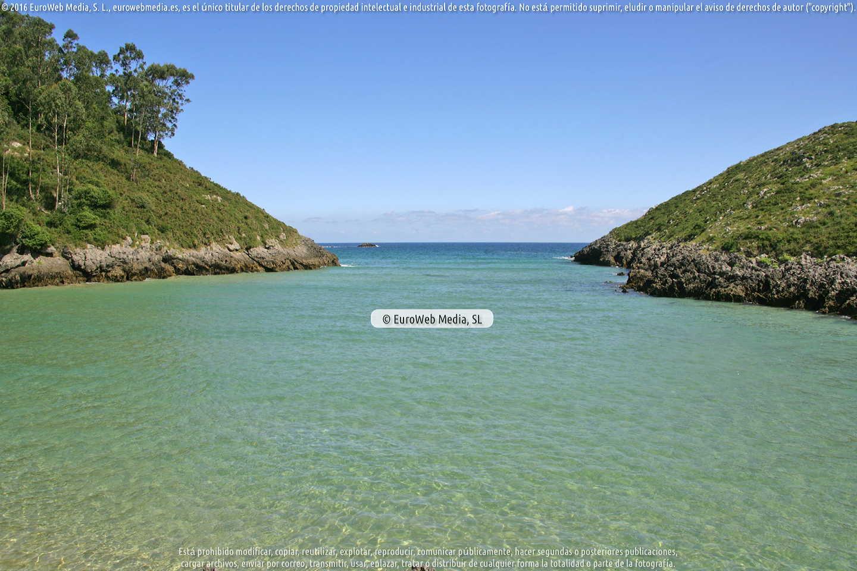 Fotografía de Playa de La Barra en Llanes. Asturias. España.