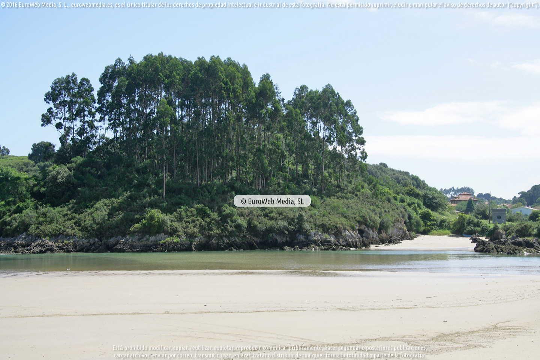 Fotografía de Playa de La Cóndia en Llanes. Asturias. España.