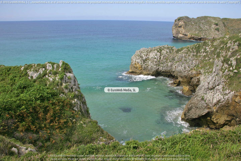 Fotografía de Playa El Penal en Llanes. Asturias. España.