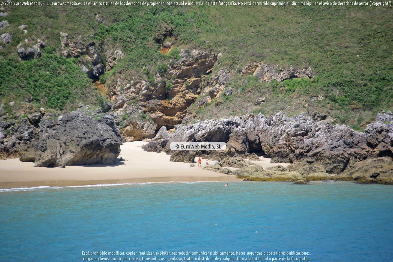 Fotografía de Playa El Sablín de Poo - La Isla en Llanes. Asturias. España.