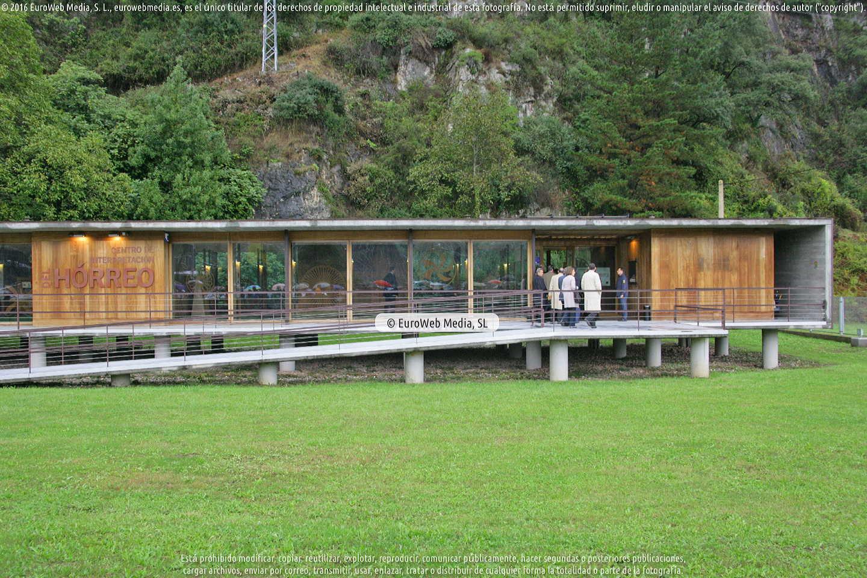 Fotografía de Güeñu - Bueño Premio al Pueblo Ejemplar de Asturias 2012 en Ribera de Arriba. Asturias. España.