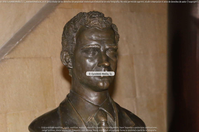 Fotografía de Escultura «Busto de Sir Neville Marriner» en Oviedo. Asturias. España.