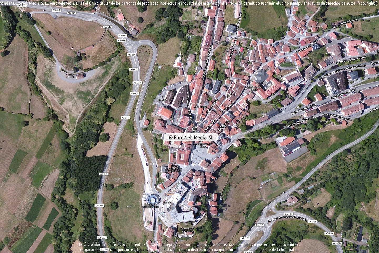 Fotografía de Farmacia M. Soledad Arias García en Tineo. Asturias. España.