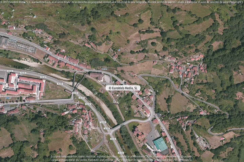 Fotografía de Farmacia M. del Carmen Baranda Cantalapiedra en Mieres. Asturias. España.