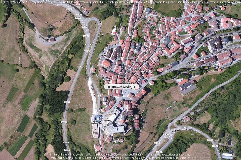 Fotografía de Farmacia Pablo de Juan Fernández en Tineo. Asturias. España.