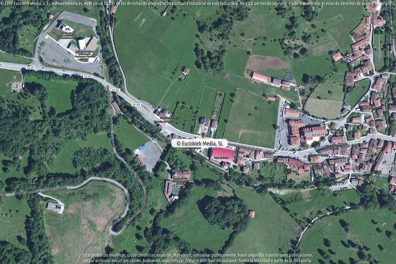 Fotografía de Farmacia Dulce M. Junco Nachon en Onís. Asturias. España.