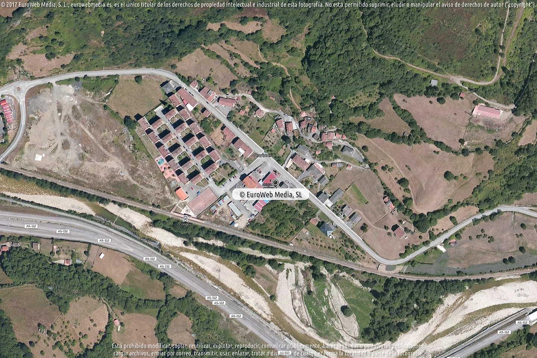 Fotografía de Estación de servicio Repsol en Corigos en Aller. Asturias. España.