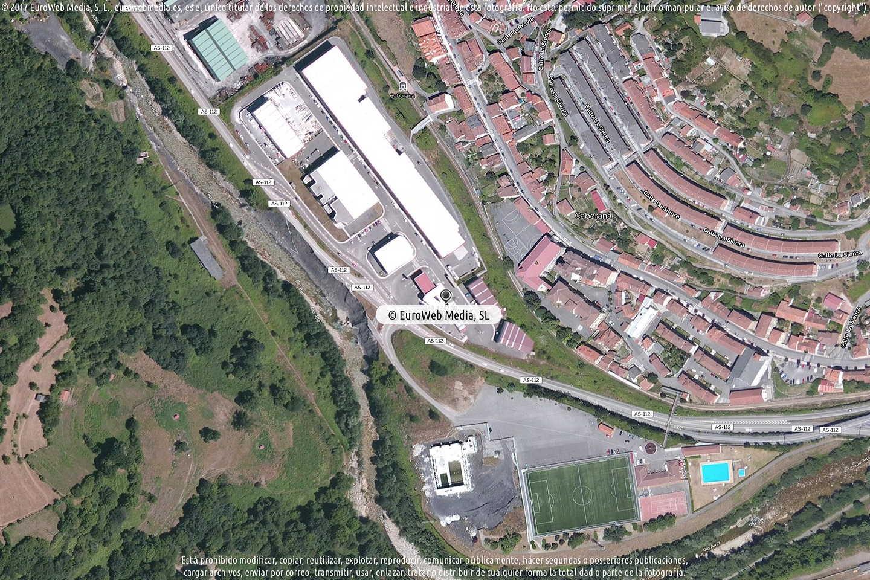 Fotografía de Estación de servicio Repsol en Caborana en Aller. Asturias. España.