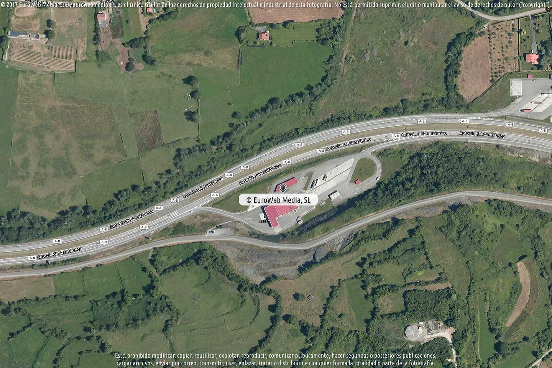 Fotografía de Estación de servicio Cepsa en Colunga I en Colunga. Asturias. España.
