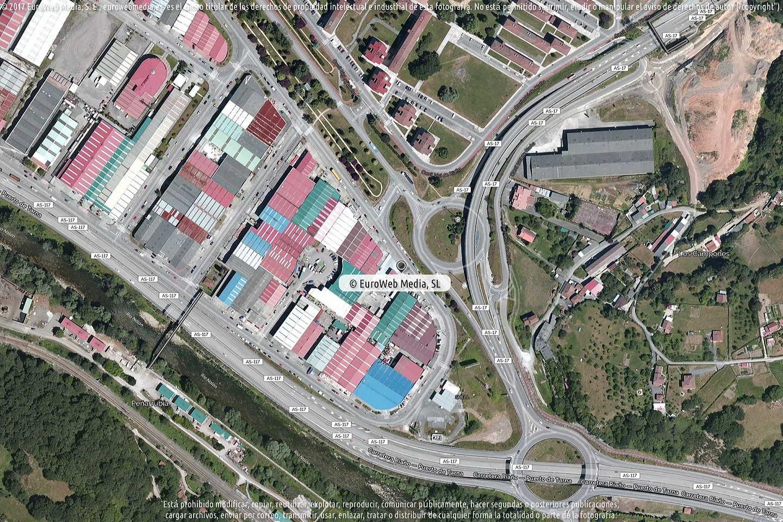 Fotografía de Estación de servicio Dismusa en Langreo - Llangréu en Langreo. Asturias. España.