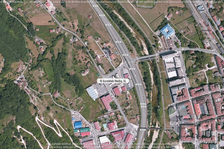 Fotografía de Estación de servicio Cepsa en La Pola Llaviana - Pola de Laviana en Laviana. Asturias. España.