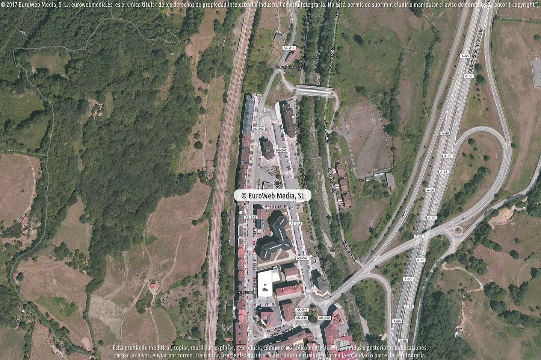 Fotografía de Estación de servicio San Pablo en La Pola en Lena. Asturias. España.