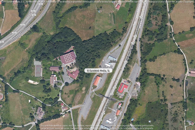 Fotografía de Estación de servicio Repsol I en Robledo en Llanera. Asturias. España.