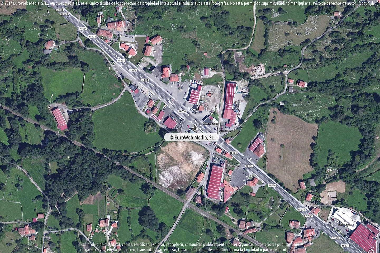 Fotografía de Estación de servicio Repsol en San Roque del Acebal en Llanes. Asturias. España.
