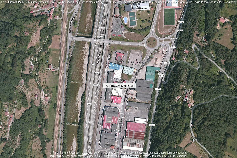 Fotografía de Estación de servicio Repsol I en Mieres del Camín en Mieres. Asturias. España.