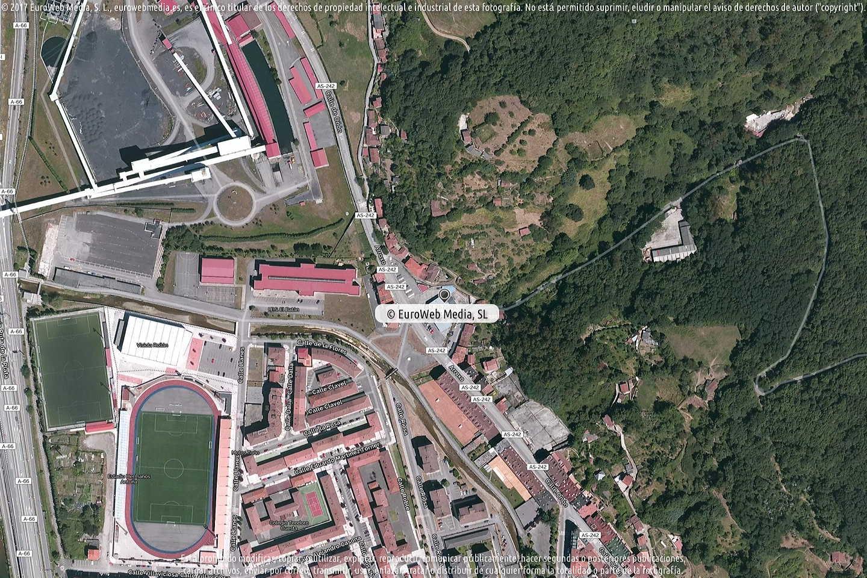 Fotografía de Estación de servicio Repsol II en Mieres del Camín en Mieres. Asturias. España.