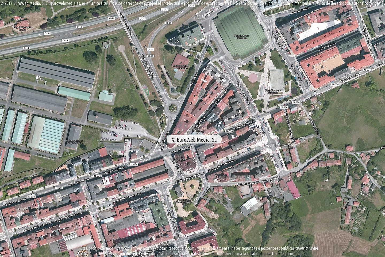 Fotografía de Estación de servicio Repsol I en Oviedo en Oviedo. Asturias. España.