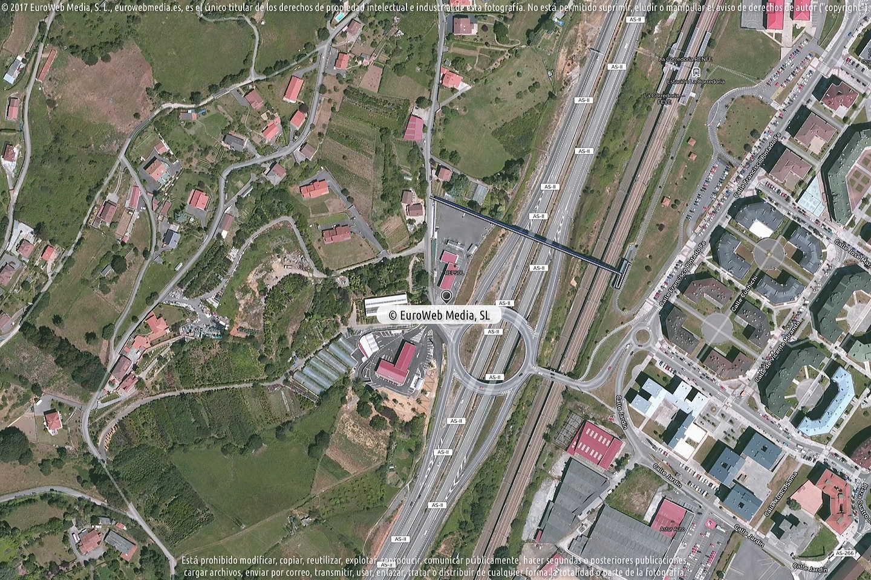 Fotografía de Estación de servicio Repsol en Cuyences en Oviedo. Asturias. España.