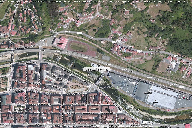Fotografía de Estación de servicio Alcampo en L'Entregu - El Entrego en San Martín del Rey Aurelio. Asturias. España.