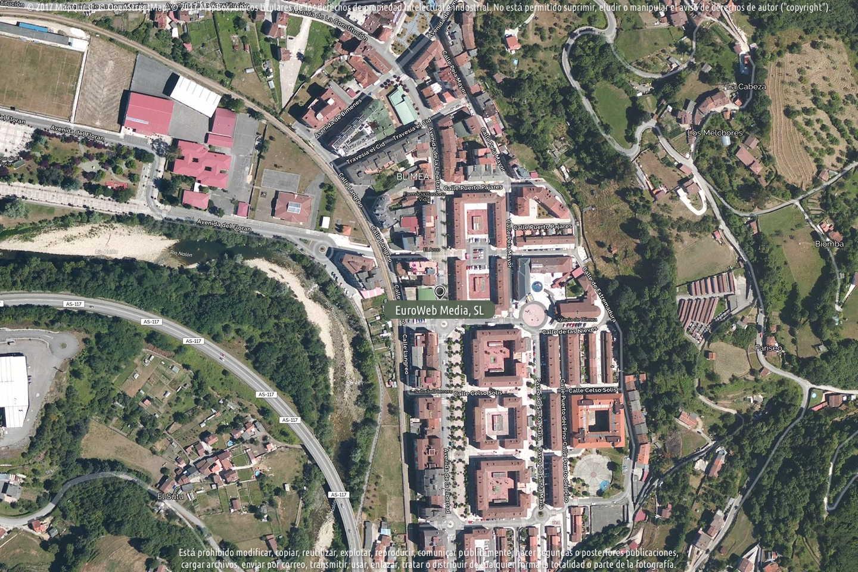 Fotografía de Alimerka Avenida de la Libertad en San Martín del Rey Aurelio. Asturias. España.