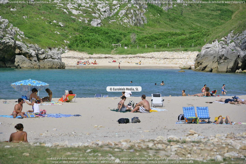 Fotografía de Playa Cuevas del Mar en Llanes. Asturias. España.
