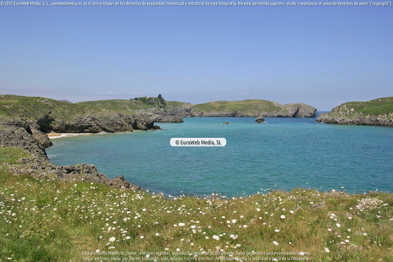 Fotografía de Playa La Cabrera en Llanes. Asturias. España.